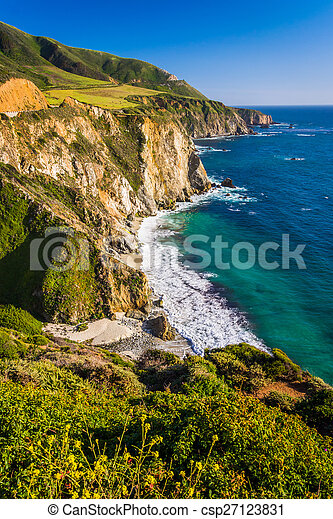 View of the rocky Pacific Coast, in Big Sur, California. - csp27123831