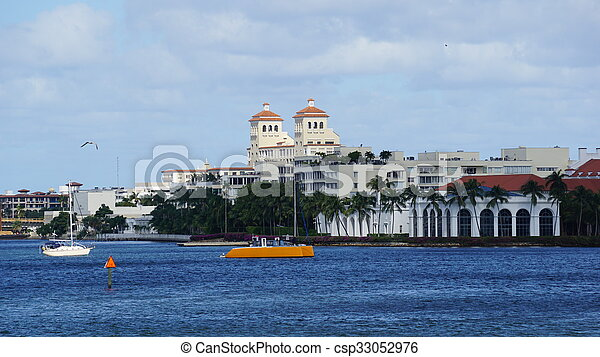 View of West Palm Beach in Florida - csp33052976