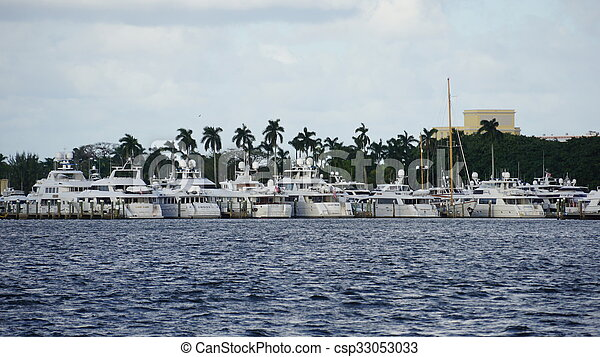 View of West Palm Beach in Florida - csp33053033