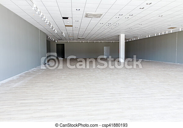Enjoyable View On Pillar In Large Empty Showroom With Hardwood Floor And Ceiling Light Download Free Architecture Designs Scobabritishbridgeorg