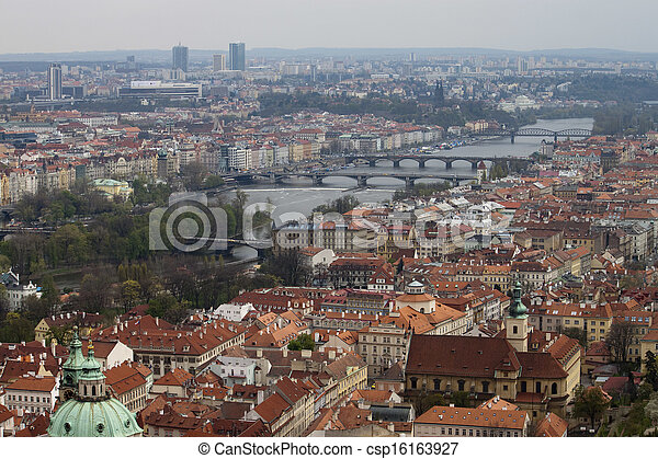 View on Prague Bridges - csp16163927