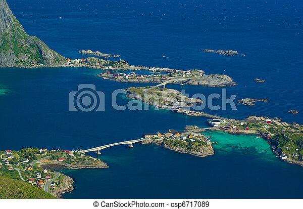 ville, au-dessus, lofoten, reinebringen, côtier, reine, norvège, photographié - csp6717089
