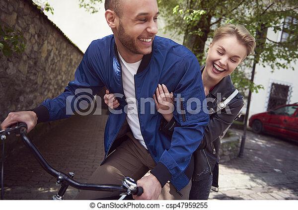 ville, couple, équitation bicyclette - csp47959255