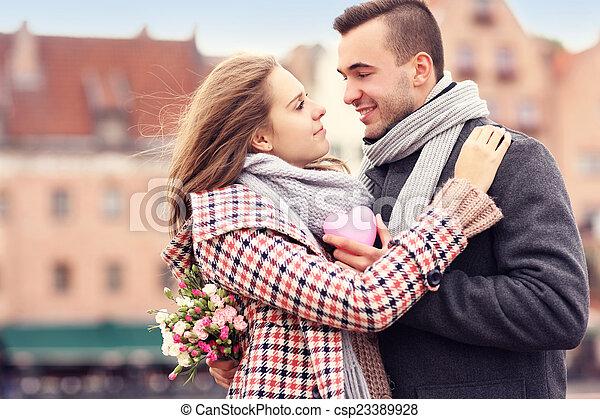 ville, couple, romantique, jour, valentine - csp23389928