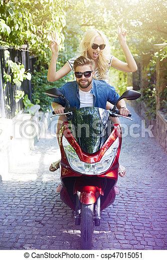 ville, scooter, jeune, équitation, gens - csp47015051