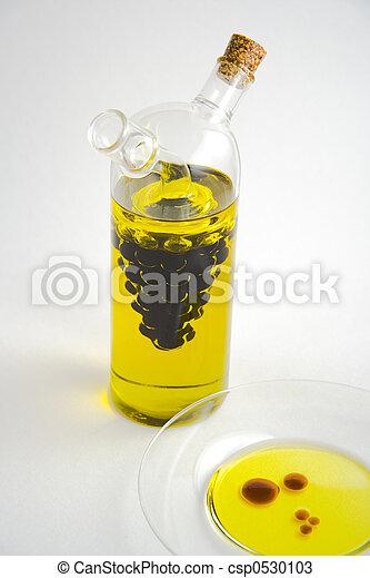 vinaigre huile r cipient sauser verre fond blanc photos de stock rechercher des. Black Bedroom Furniture Sets. Home Design Ideas
