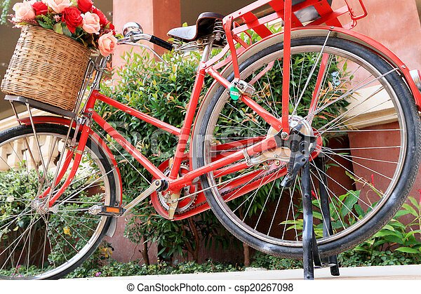 vinobraní, jezdit na kole - csp20267098
