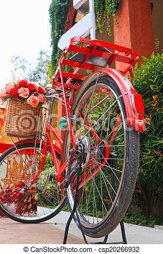 vinobraní, jezdit na kole - csp20266932