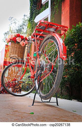 vinobraní, jezdit na kole - csp20267138