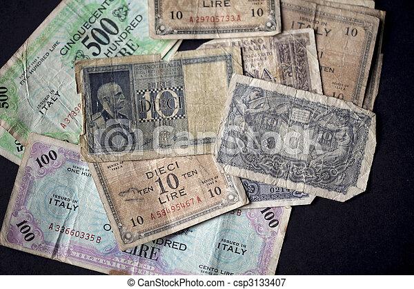 Vintage italian banknotes  - csp3133407