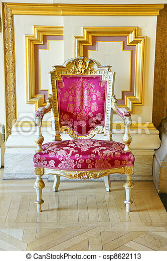 Vintage pink silk and gold frame chair - csp8622113