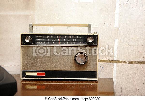 vintage radio - csp4629039