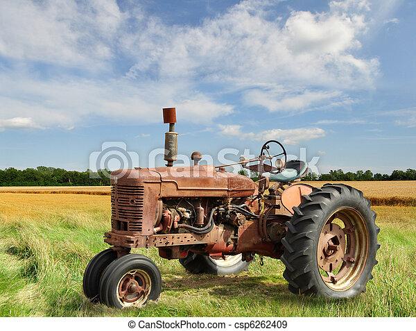 vintage tractor - csp6262409