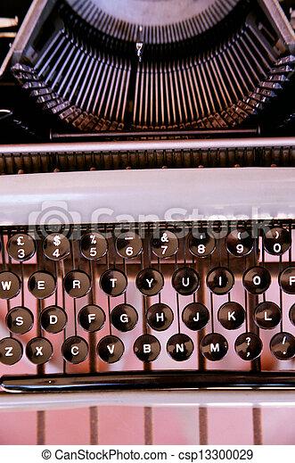 Vintage Typewriter - csp13300029