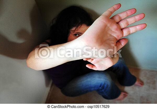 Víctima de violencia - csp10517629