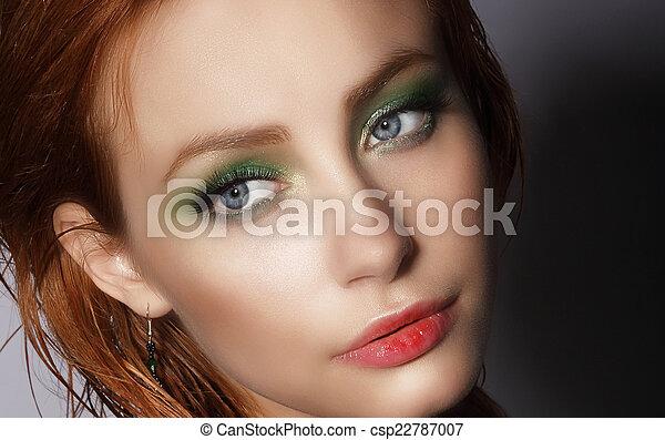 visage., femme, haut, jeune, joli, fin, portrait - csp22787007