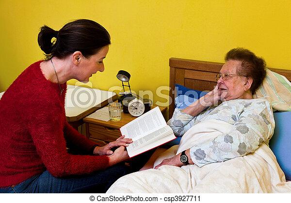 visited, femme, vieux, malade - csp3927711