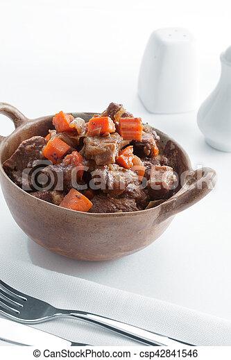 Cerca de la vista de una deliciosa comida en la espalda blanca - csp42841546