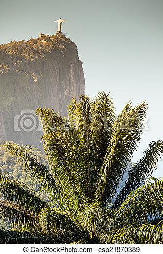 Vista de Cristo redentor y montaña corcovado - csp21870389