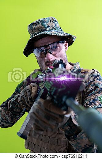 vista, plano de fondo, acción, verde, apuntar, laseer, soldado, óptica - csp76916211