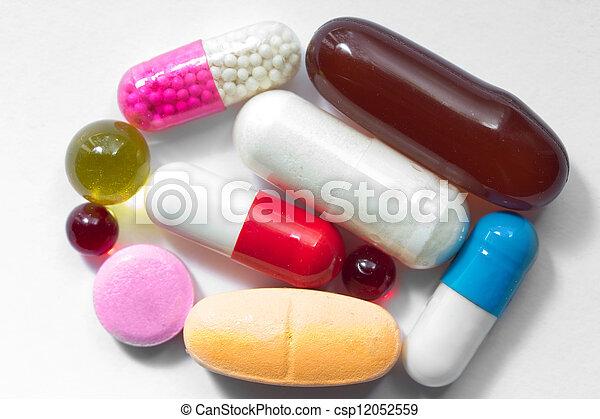 vitamin supplement capsules - csp12052559