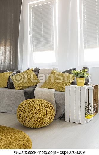 vivant, énergique, salle, jaune, détails - csp40763009