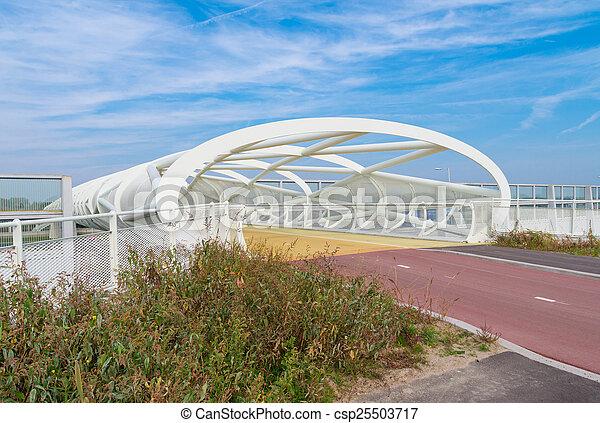 voetbrug, moderne, fiets - csp25503717