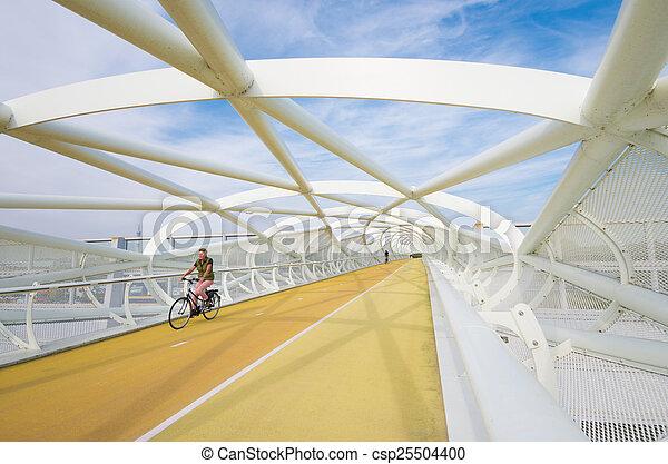 voetbrug, moderne, fiets - csp25504400