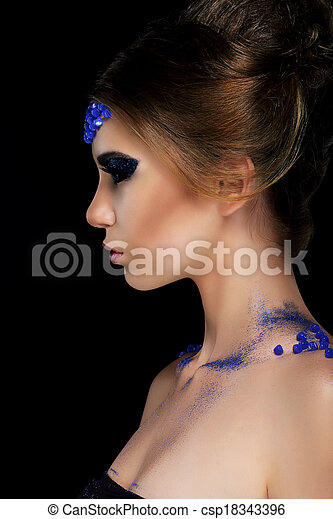 Vogue. Artistic Profile of Young Woman with Trendy Glamorous Makeup - csp18343396