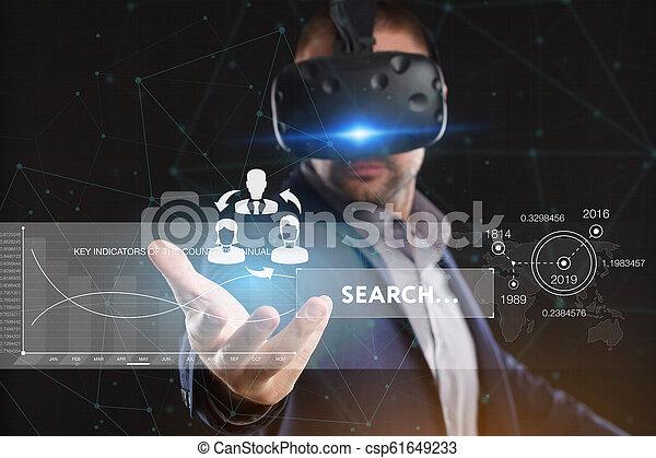 voit, réseau, fonctionnement, inscription:, concept., jeune, virtuel, business, internet, homme affaires, technologie, réalité, lunettes - csp61649233