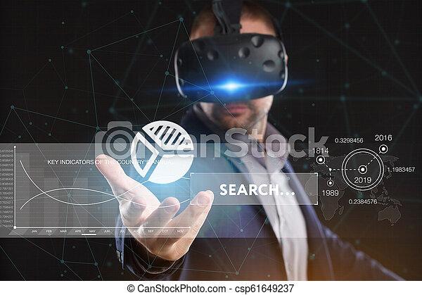 voit, réseau, fonctionnement, inscription:, concept., jeune, virtuel, business, internet, homme affaires, technologie, réalité, lunettes - csp61649237