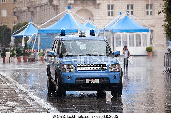 voiture italien police pluie sous c r monie surveiller images de stock rechercher des. Black Bedroom Furniture Sets. Home Design Ideas
