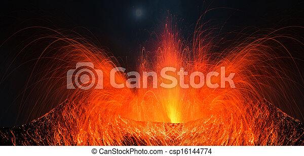 Volcano Pacaya with big eruption - csp16144774