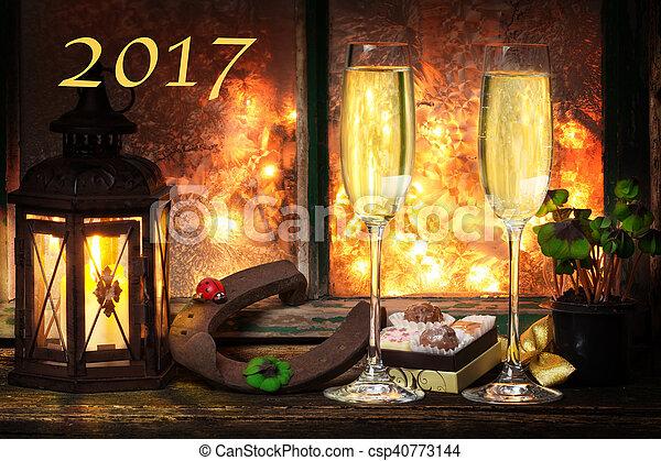 vorabend, jahres, jahr, neu , 2017, champagner, glücklich - csp40773144