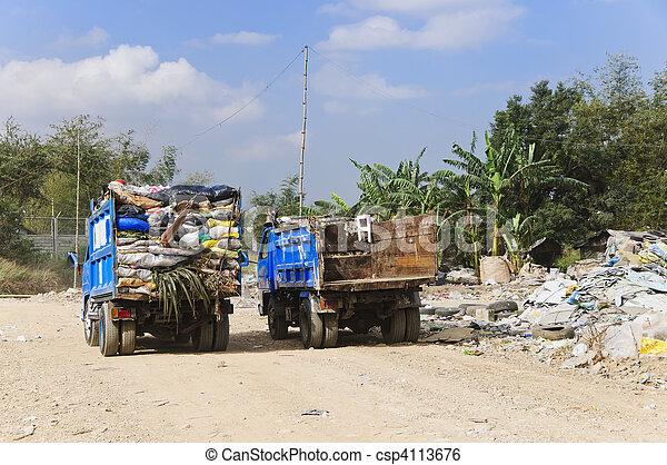 vrachtwagen, restafval - csp4113676