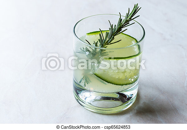 vrille, cocktail, concombre, gin, slice., romarin - csp65624853
