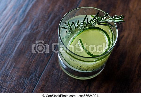 vrille, cocktail, concombre, gin, slice., romarin - csp65624994