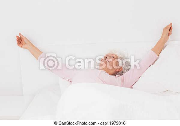 vrouw, bed, stretching - csp11973016