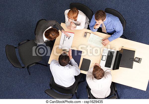 vrouw, groep, zakenlui, vervaardiging, presentatie - csp1629435