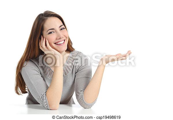 vrouw, hand, iets, vasthouden, leeg, vrolijke , open, het voorstellen - csp19498619