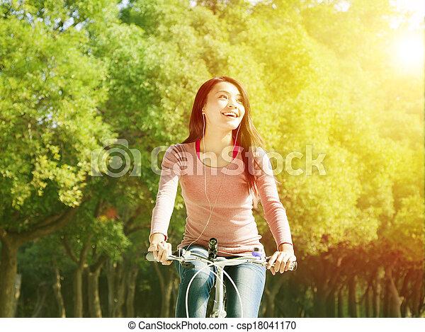 vrouw, park, jonge, fiets, aziaat, mooi, paardrijden - csp18041170