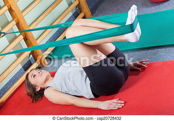 vrouw, studio, het uitoefenen, passen, fitness - csp20728432