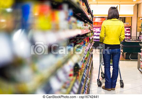 vrouw winkelen, jonge, supermarkt - csp16742441