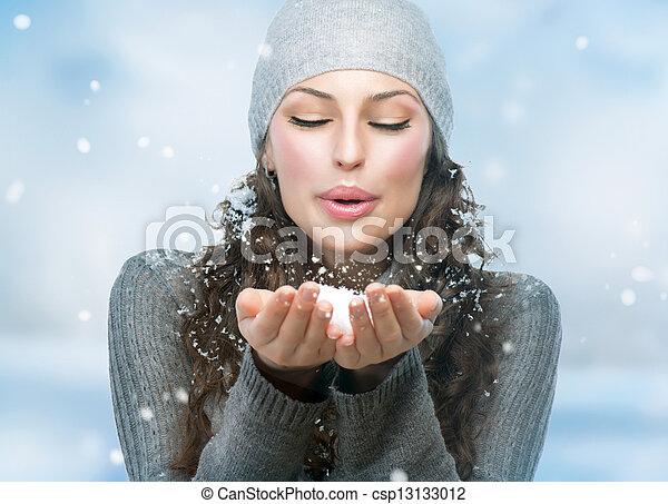 vrouw, winter, sneeuw, girl., blazen, kerstmis - csp13133012