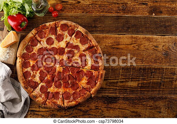 vue., ingredients., copie, pepperoni, encore, pizza, bois, table., vie, space., sommet - csp73798034