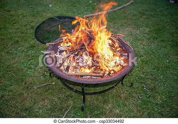 Artpot vuur in de tuin artuin