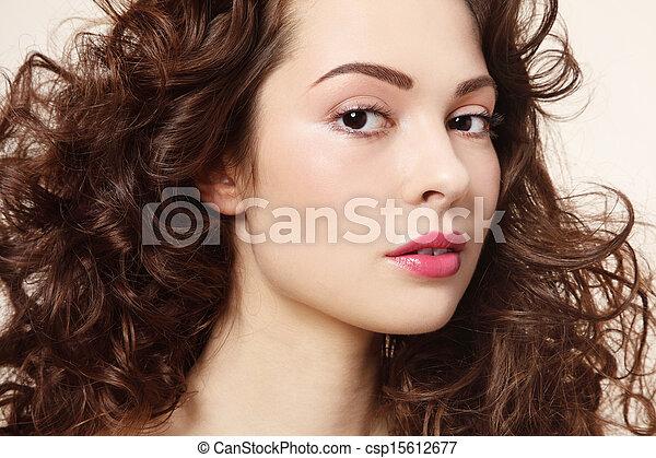 włosy, kędzierzawy - csp15612677
