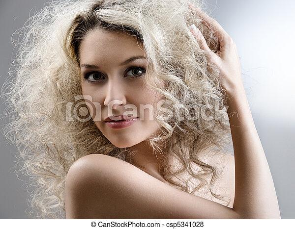 włosy, kędzierzawy - csp5341028