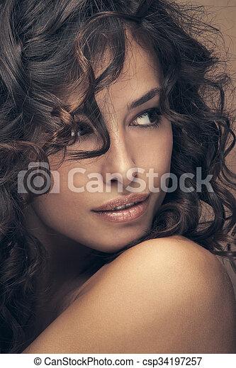 włosy, kędzierzawy, piękno - csp34197257