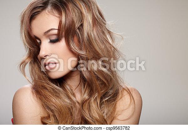 włosy, kędzierzawy - csp9563782
